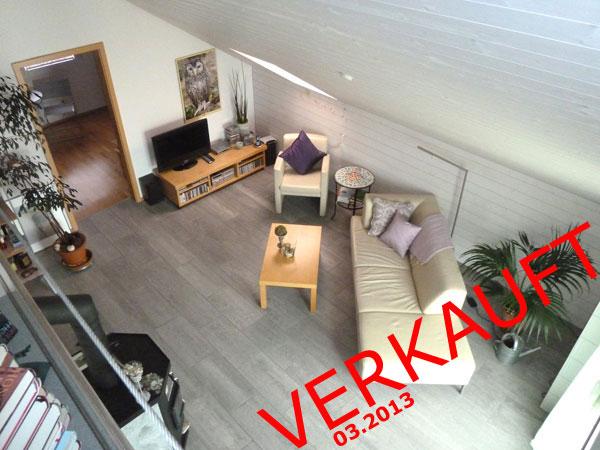 Wohnatmosphäre pur: Cheminée-Ofen, Dachschräge, Balkon und Galerie!